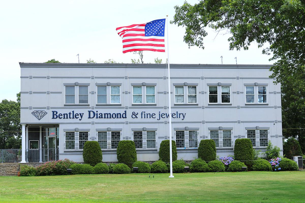 Bentley Diamond - 1860 Route 35